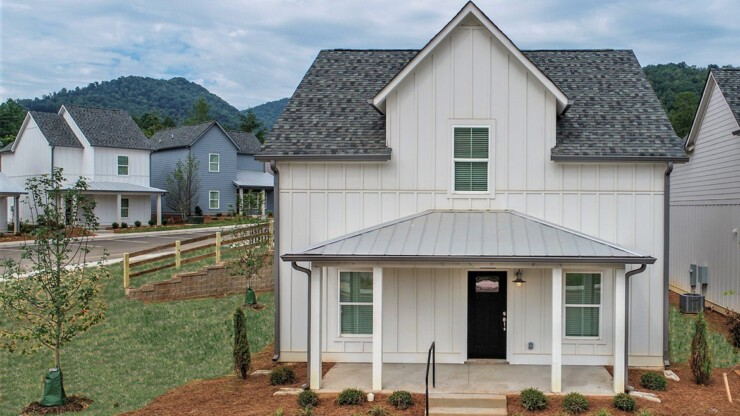 The Floor Plans on our cottages feature four or five bedrooms in a stand alone home.
